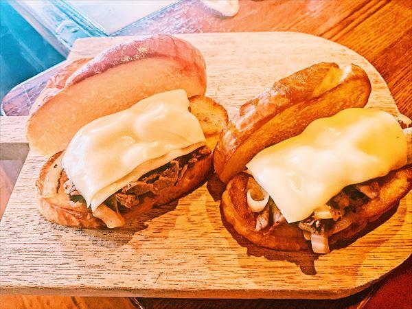 チーズステーキサンド×2個
