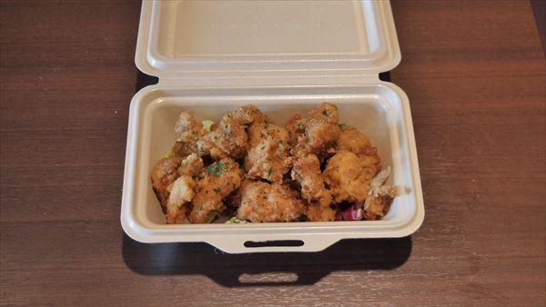 オリジナルスパイスのフライドチキン 県産若鶏使用