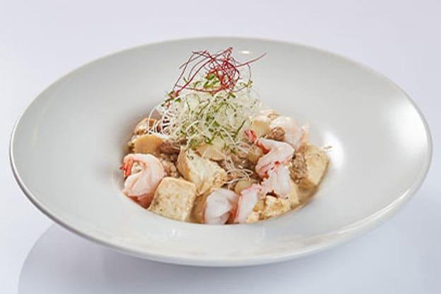 山原島豚あぐー粗挽き肉使用こだわりの白い麻婆豆腐