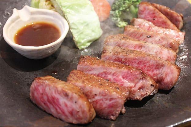 天草黒牛A4ランプ肉炭火ステーキ