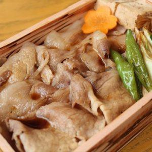 沖縄県産甘熟島豚使用 甘熟島豚すき焼き重(生卵&お吸い物付き)