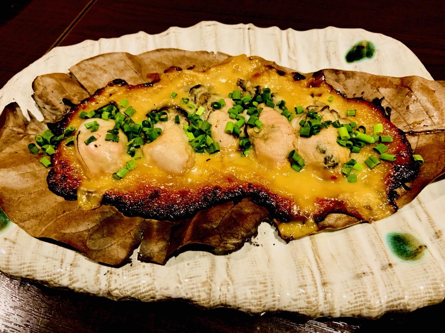 カキの朴葉(ほおば)自家製味噌焼き