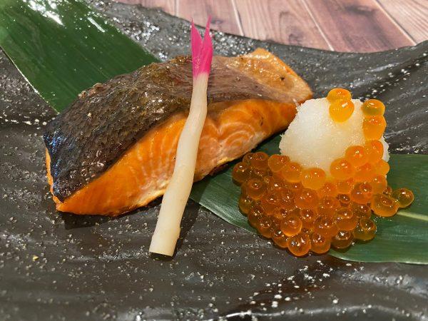 大判銀鮭といくらの炭焼き