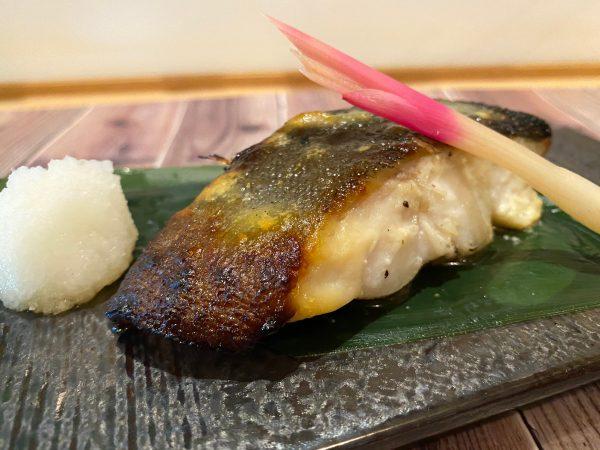 厚切り銀鱈の西京味噌焼き