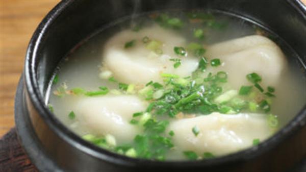 白湯スープ水餃子