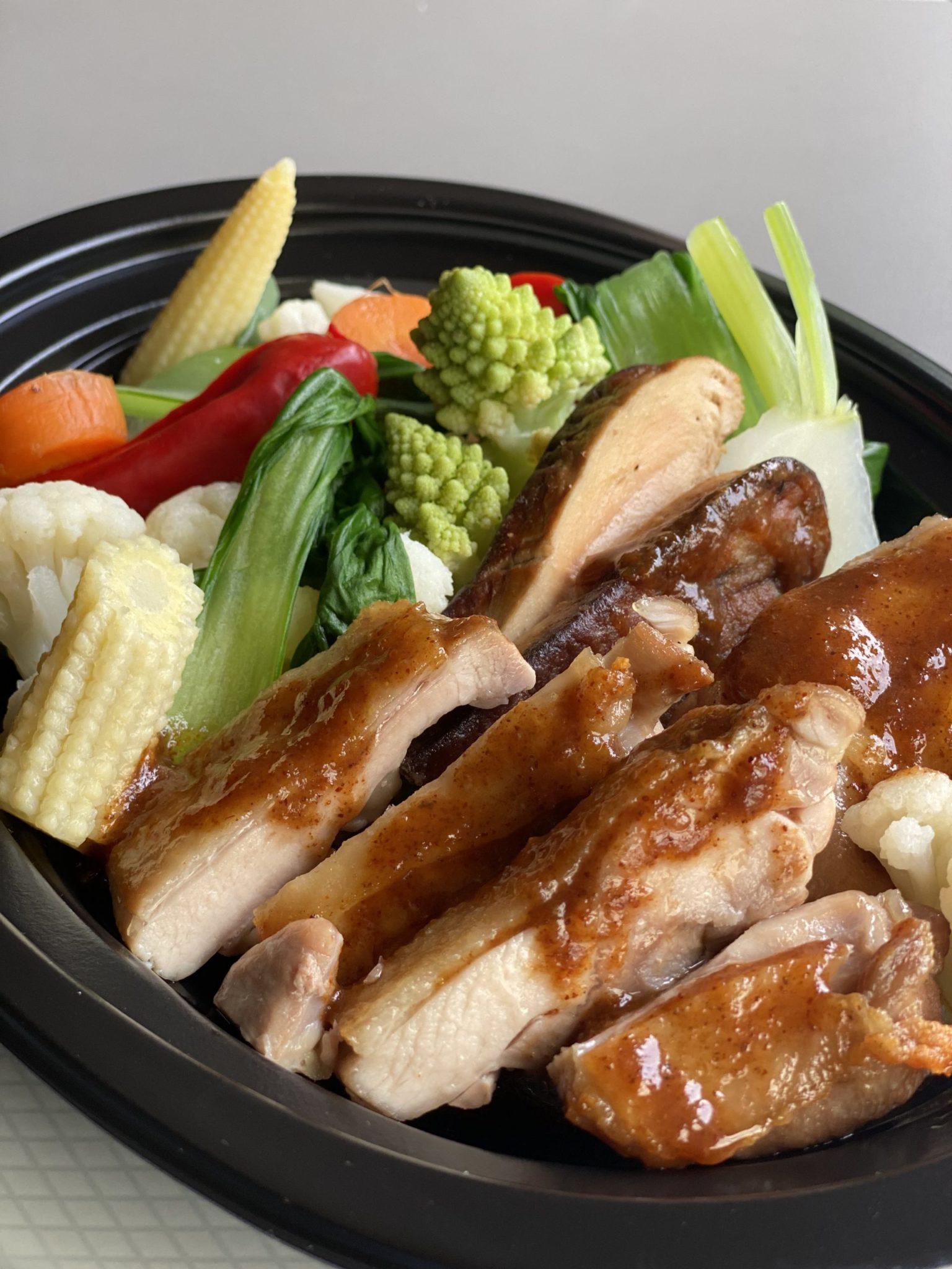 やんばる地鶏とフォアグラのソテー BBQソース