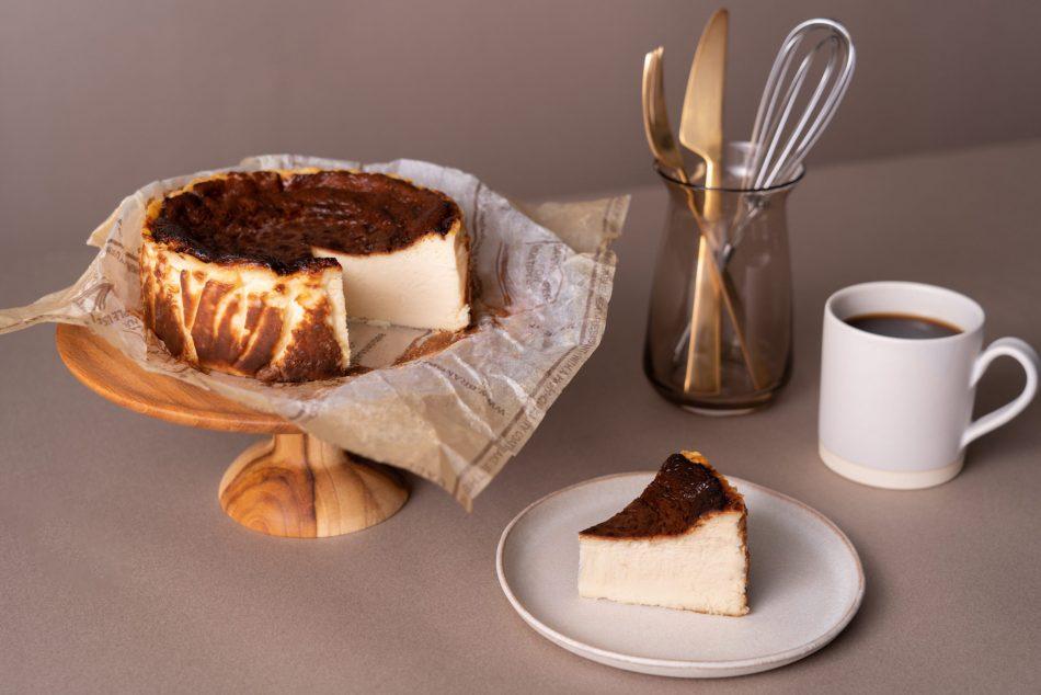 【予約制】カット・バスクチーズケーキ