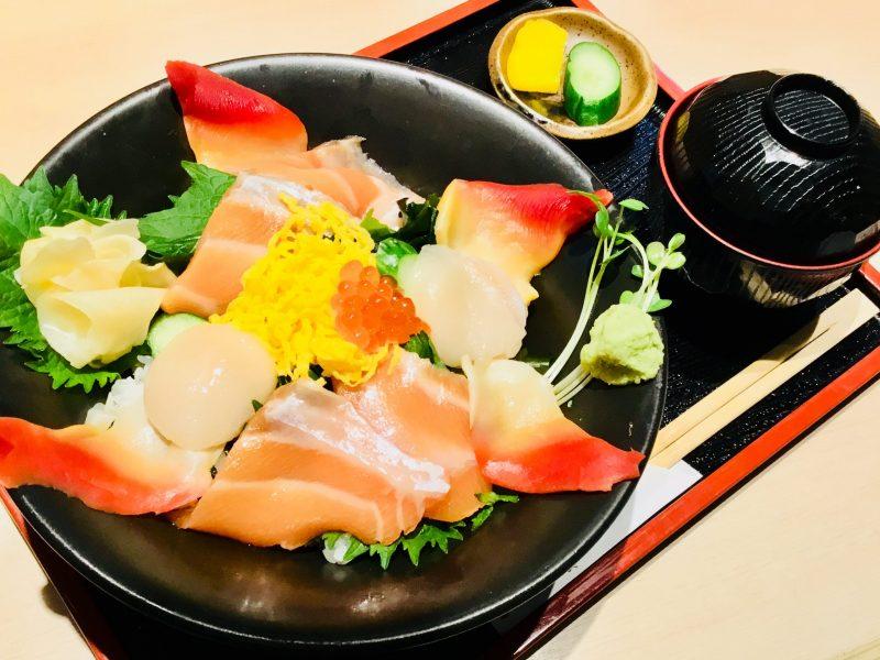 贅沢北海丼弁当