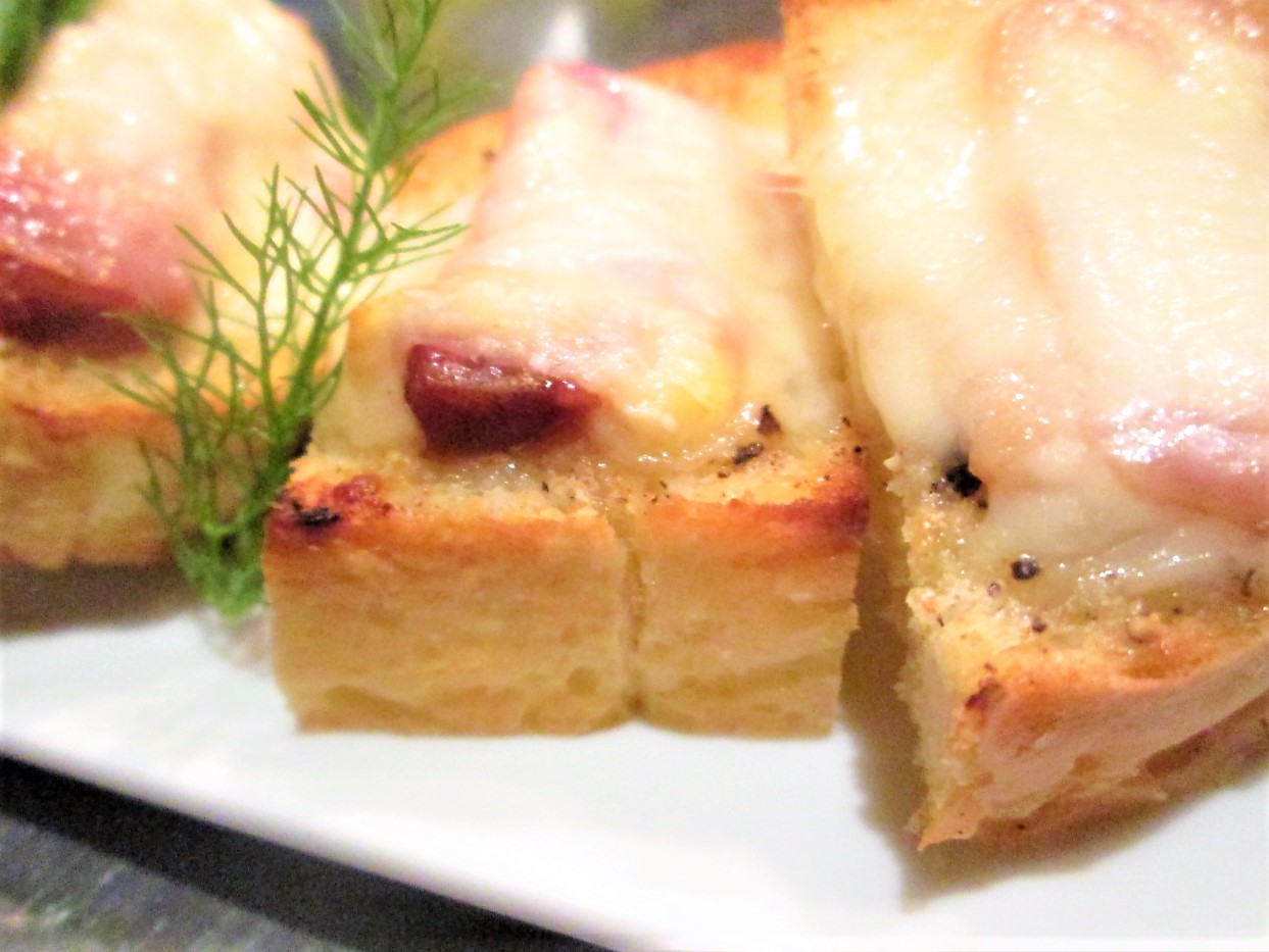 ヤギ肉のチーズ焼き、ブルスケッタ